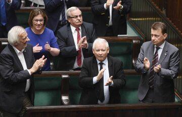 Radość polityków PiS po przyjęciu ustawy o Sądzie Najwyższym