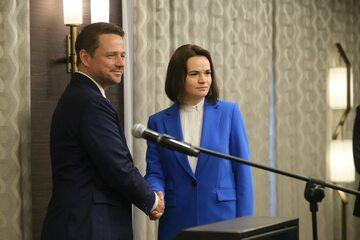 Rafał Trzaskowski i Swiatłana Cichanouska