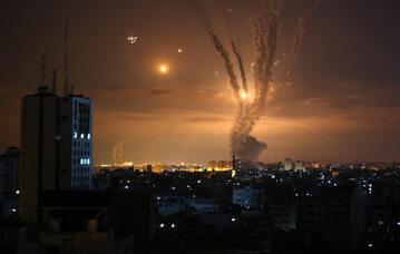 Rakiety wystrzelone w stronę Izraela ze Strefy Gazy, zdjęcie ilustracyjne