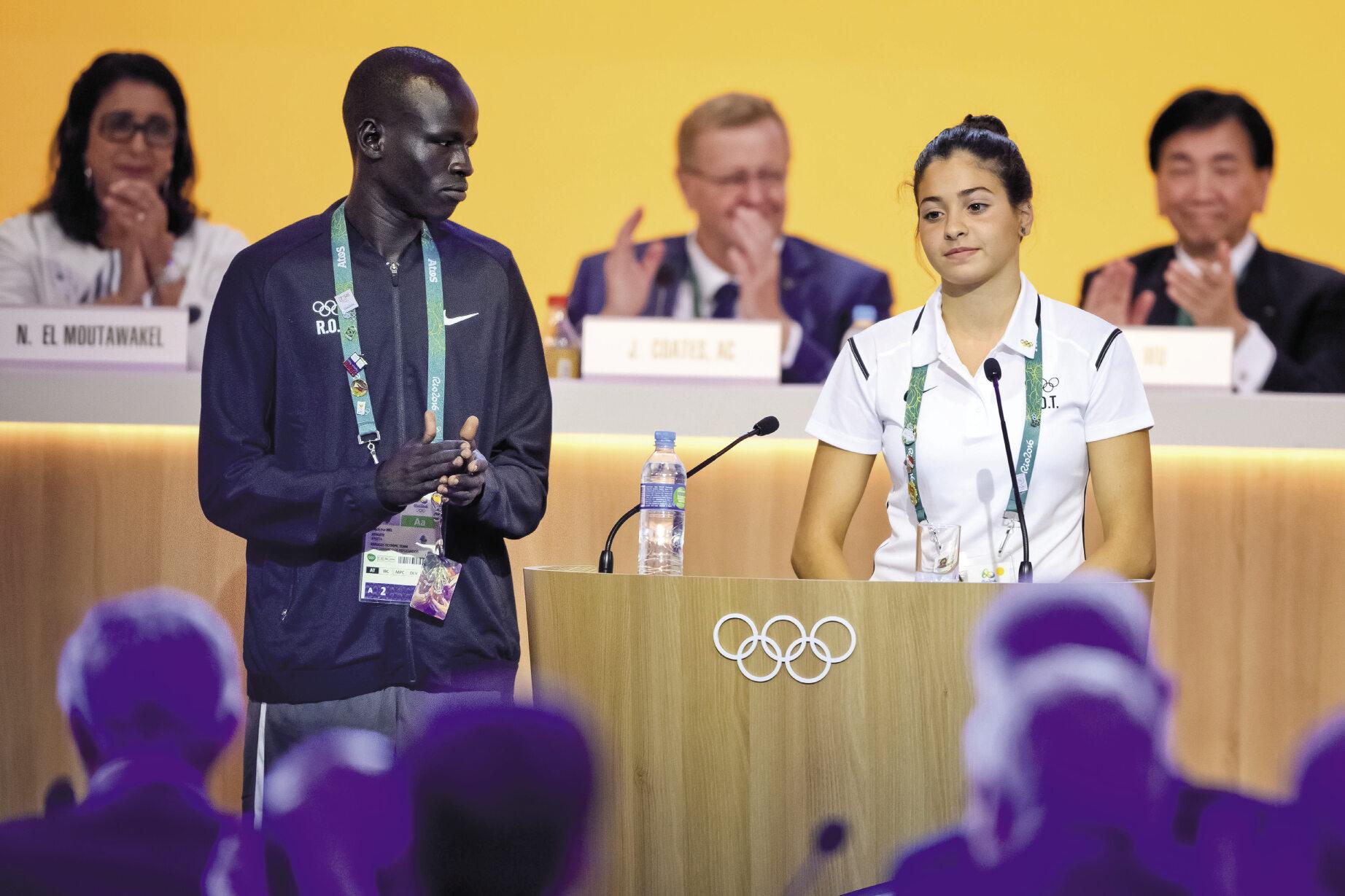 Ratowała tonących uchodźców. Teraz będzie ich reprezentować w Rio