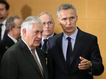 Rex Tillerson i sekretarz generalny NATO Jens Stoltenberg