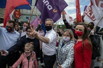 Robert Biedroń wznawia kampanię