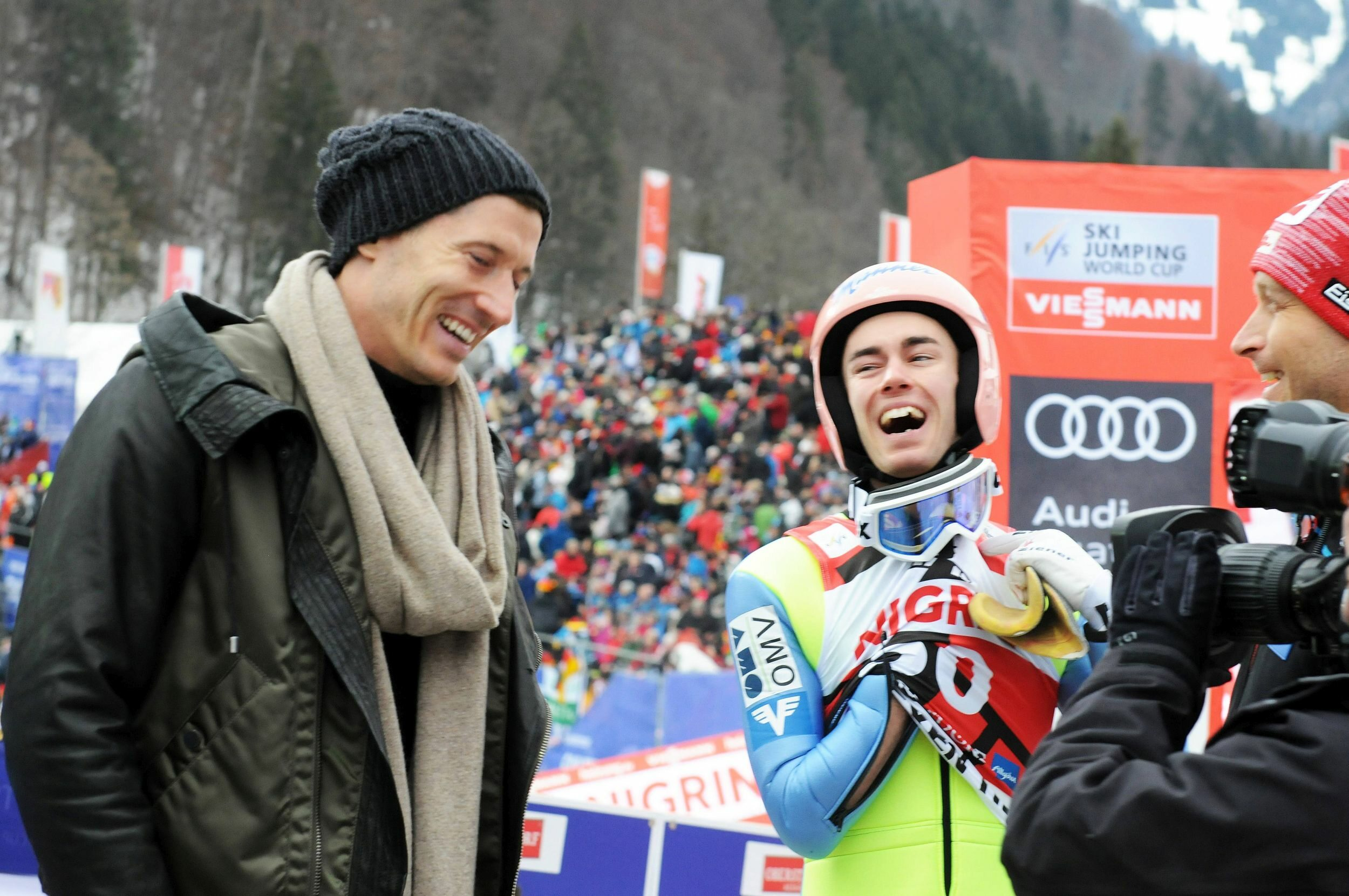 Robert Lewandowski podczas wizyty na skoczni w Obersdorfie