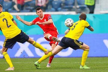 Robert Lewandowski w meczu ze Szwecją