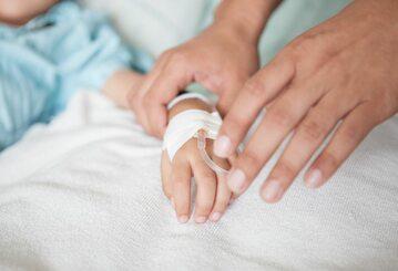 Rodzice dzieci chorych na raka czekają na szczepienia