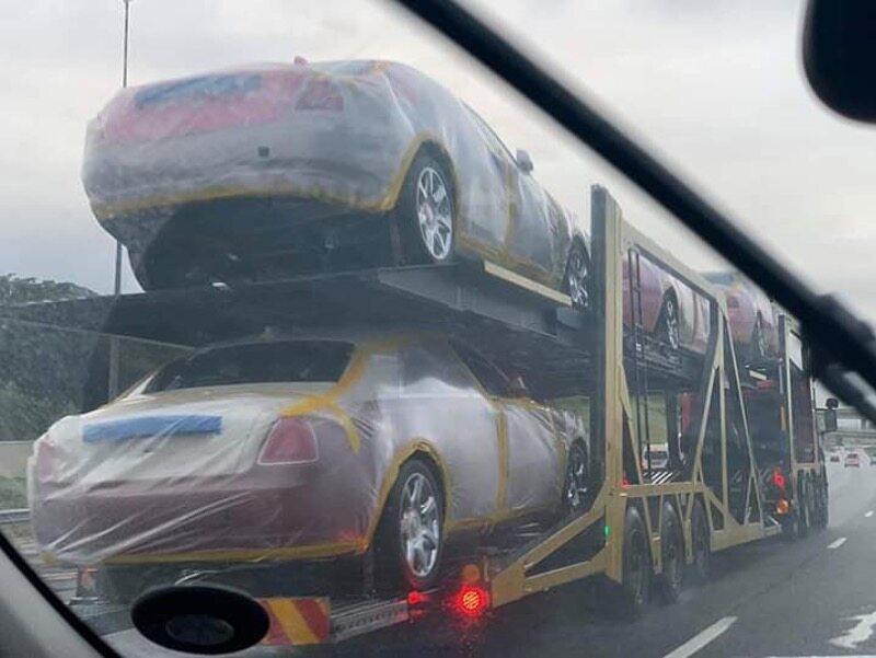 Rolls-Royce'y jadą do króla Mswatiego III
