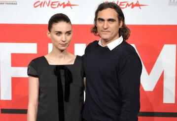 Rooney Mara i Joaquin Phoenix