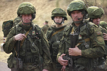Rosyjscy żołnierze podczas manewrów