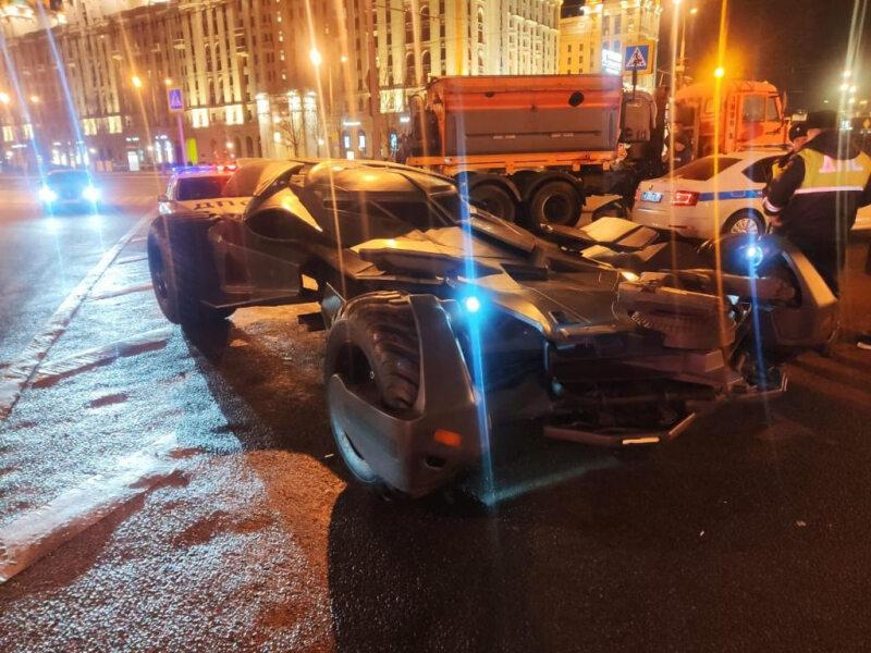 Rosyjski Batmobil zatrzymany w centrum Moskwy
