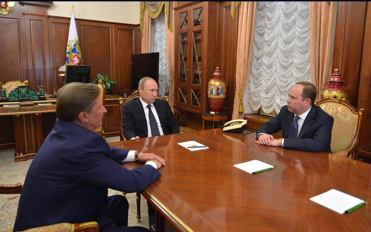Rozmowa między Władimirem Putinem, Siergiejem Iwanowem i Antonem Wajno