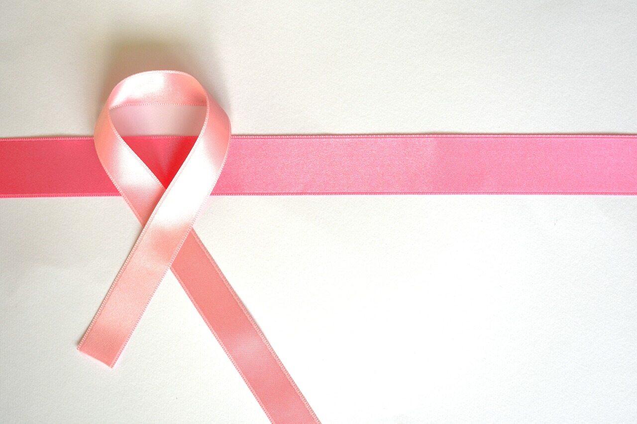Różowa wstążka – symbol walki z rakiem piersi