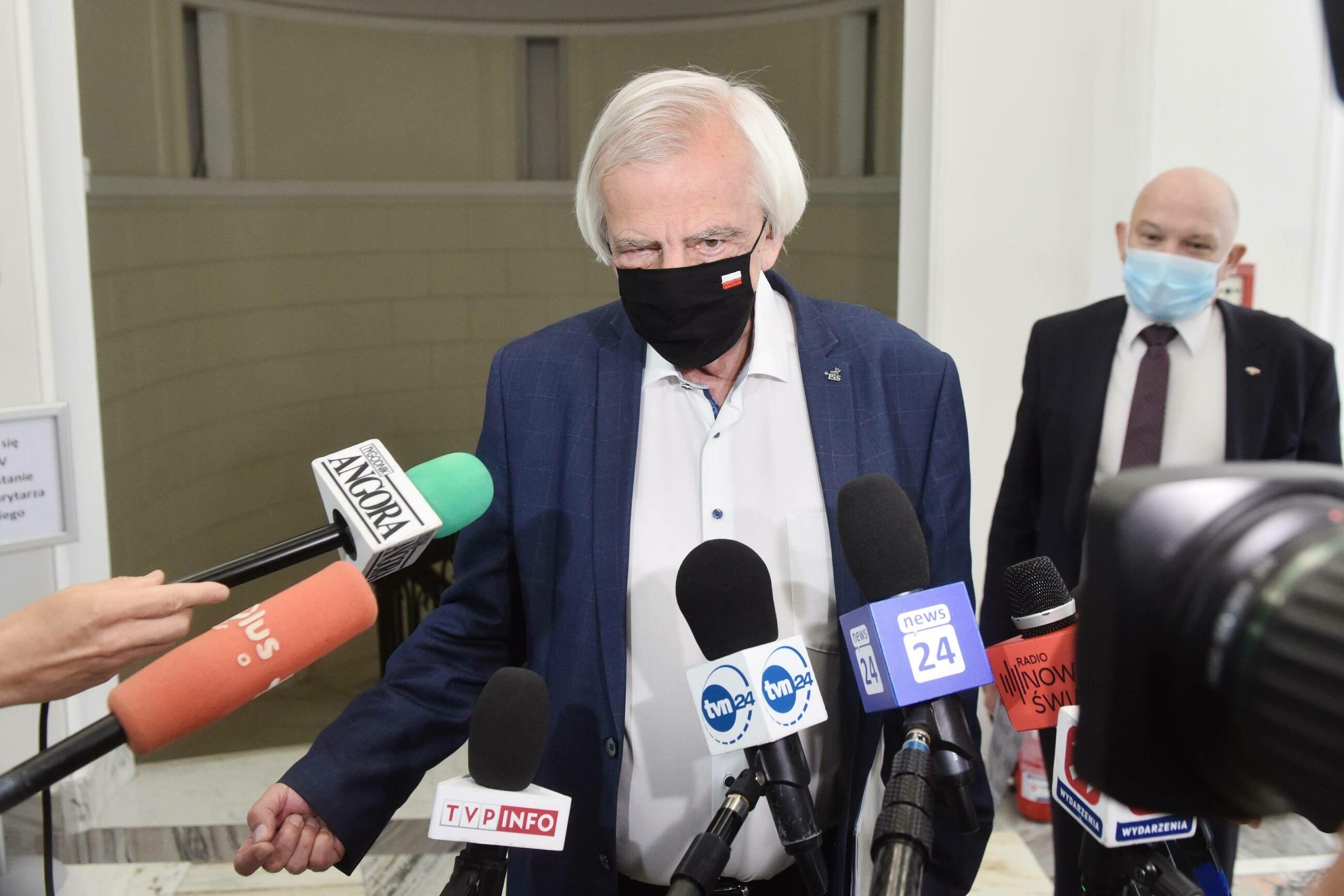 Chaos w sprawie Izby Dyscyplinarnej. PiS łagodzi ton, Ryszard Terlecki zapowiada reformę