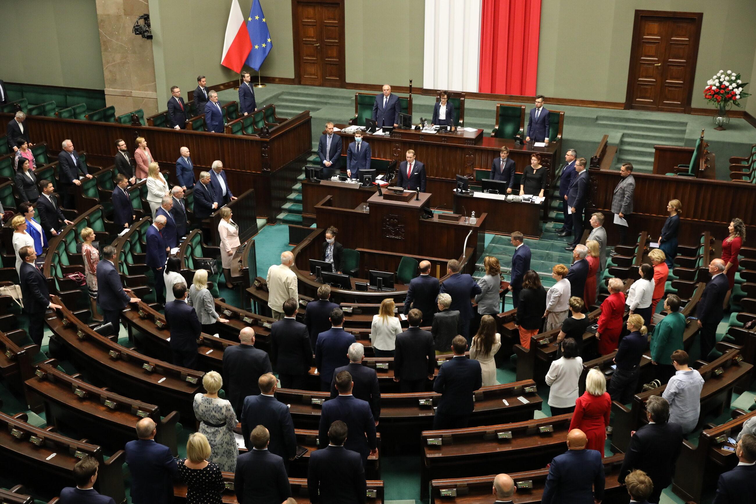 Sala plenarna w trakcie 14. posiedzenia Sejmu