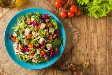 Sałatka wegetariańska, zdjęcie ilustracyjne