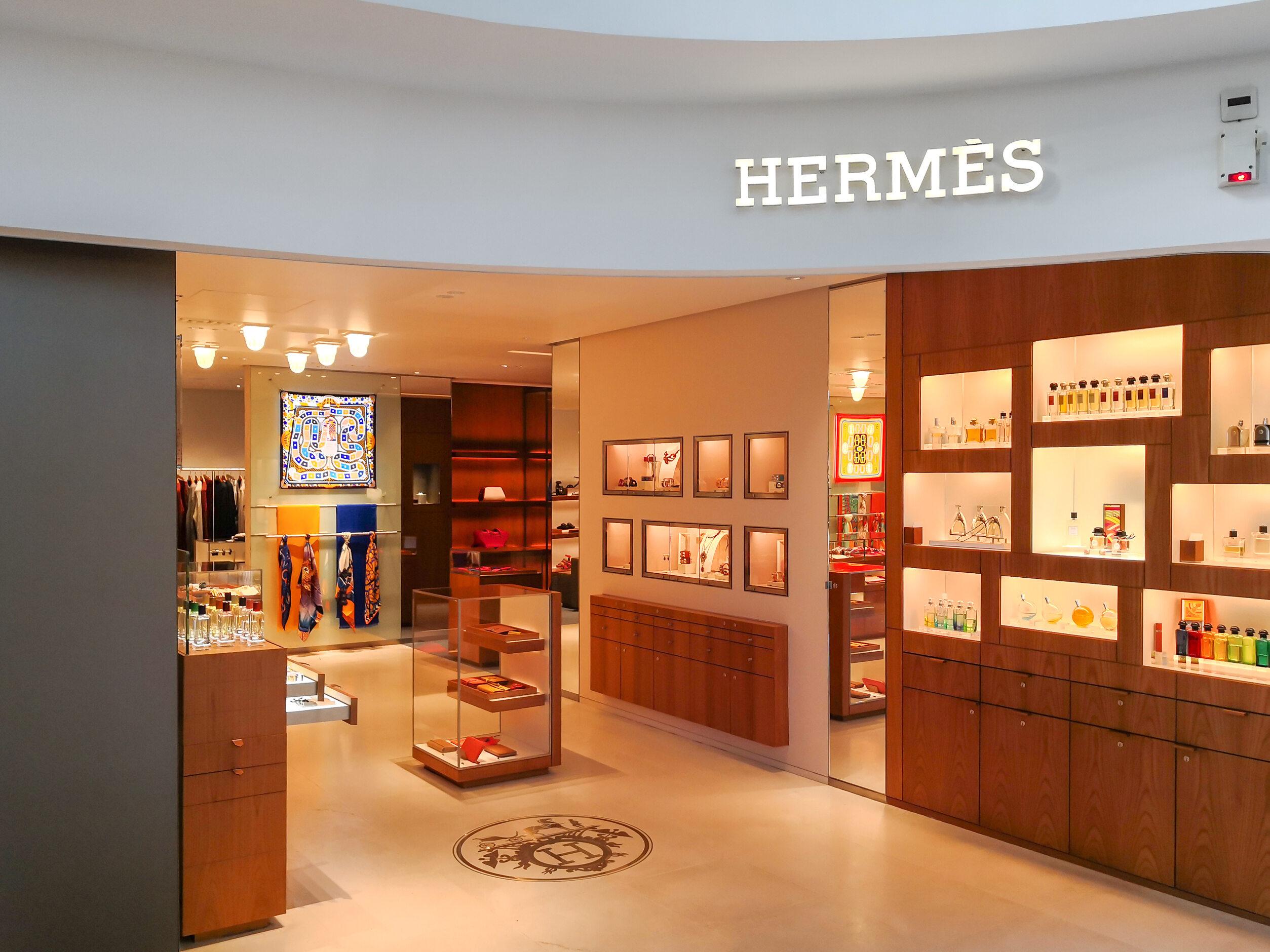 Salon marki Hermes, zdjęcie ilustracyjne