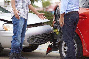Samochód, ubezpieczenie, wypadek (zdj. ilustracyjne)