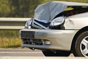 samochód, wypadek (zdj. ilustracyjne)