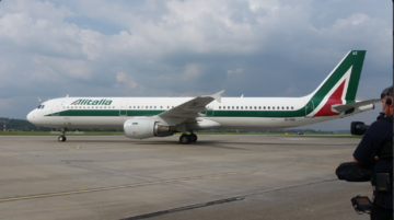 Samolot z papieżem na pokładzie