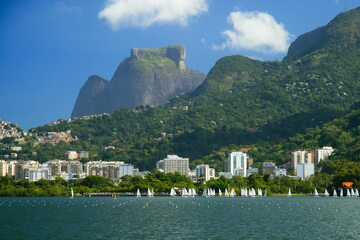 Skała Pedra da Gávea w pobliżu Rio de Janeiro