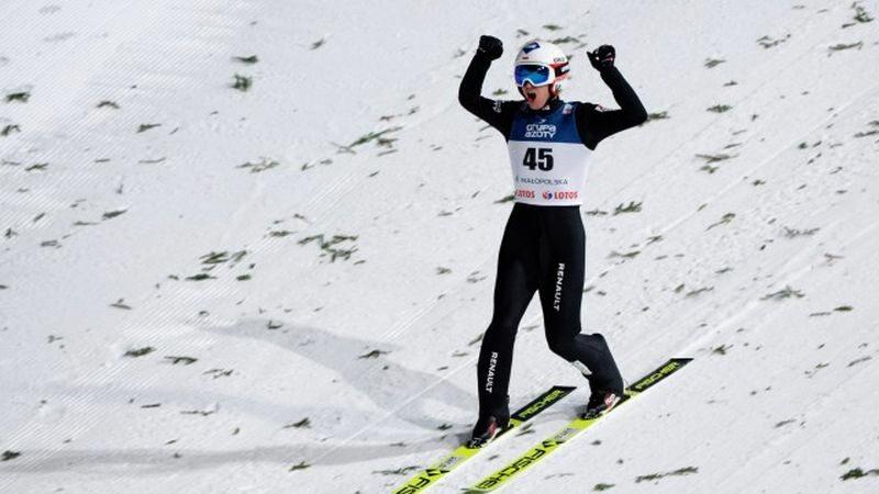 Skoczek narciarski. Kadr z nagrania