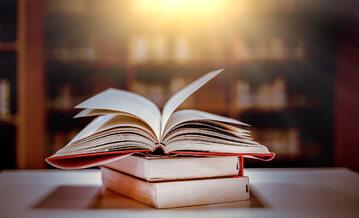 Słowniki, zdjęcie ilustracyjne