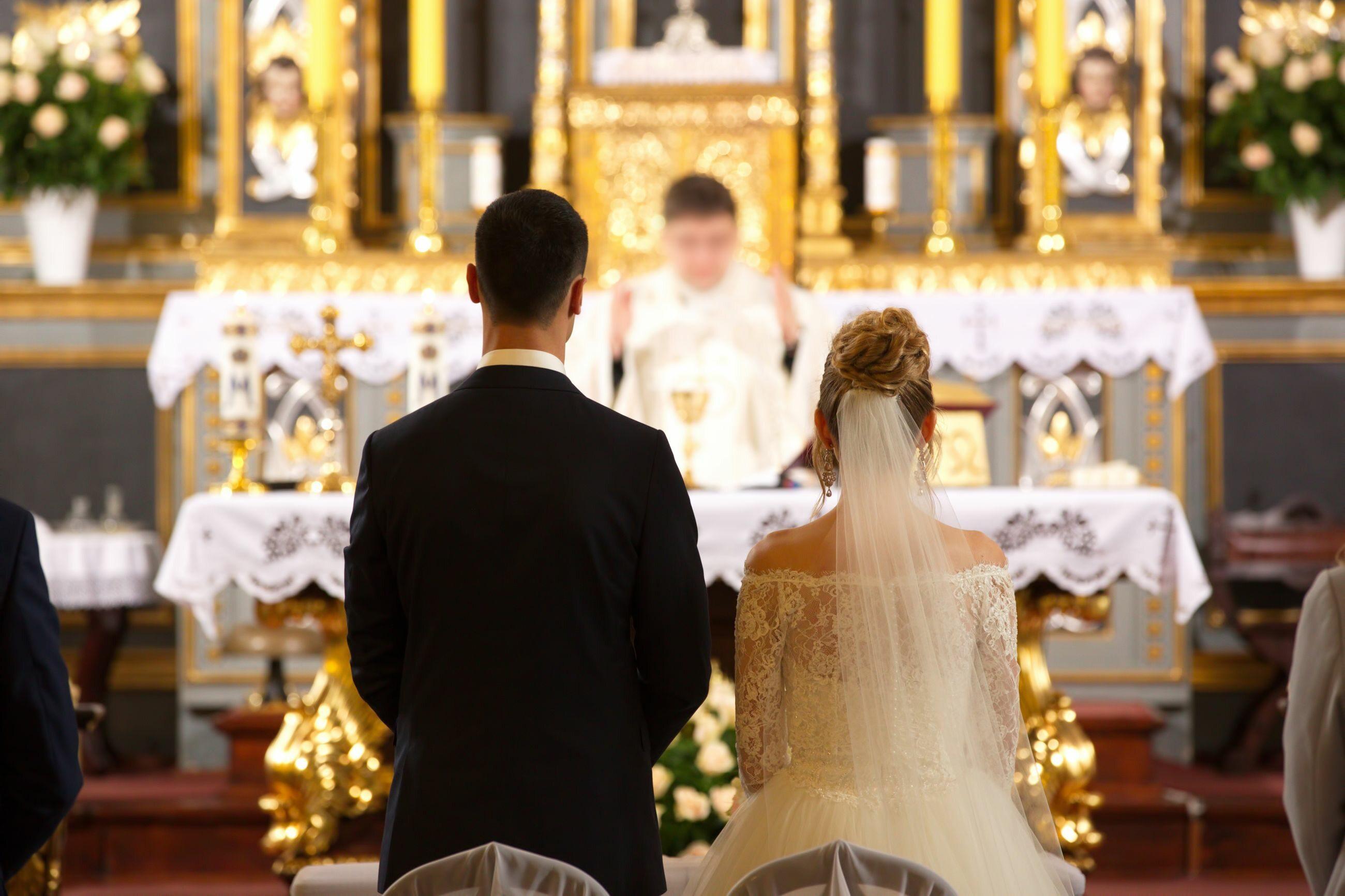 Ślub kościelny, zdjęcie ilustracyjne