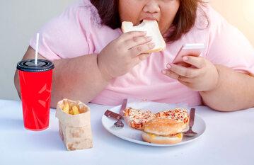 Smartfony mają coraz większy wpływ na to, co jemy. Dlaczego?