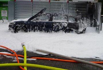 Spalony Volkswagen Passat