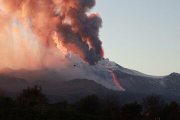 Spektakularna erupcja Etny
