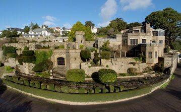 """""""Średniowieczny zamek"""" - posiadłość trafiła na sprzedaż"""