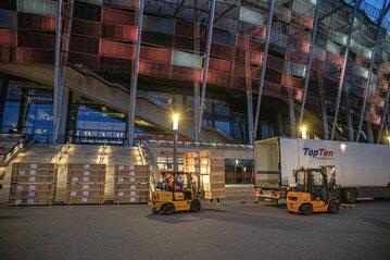 Stadion Narodowy w czasie prac nad zamienieniem go w szpital polowy