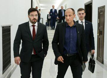 Stanisław Tyszka, Paweł Kukiz, w tle Jakub Kulesza