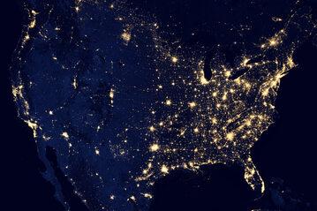 Stany Zjednoczone nocą widziane z orbity, zdjęcie ilustracyjne