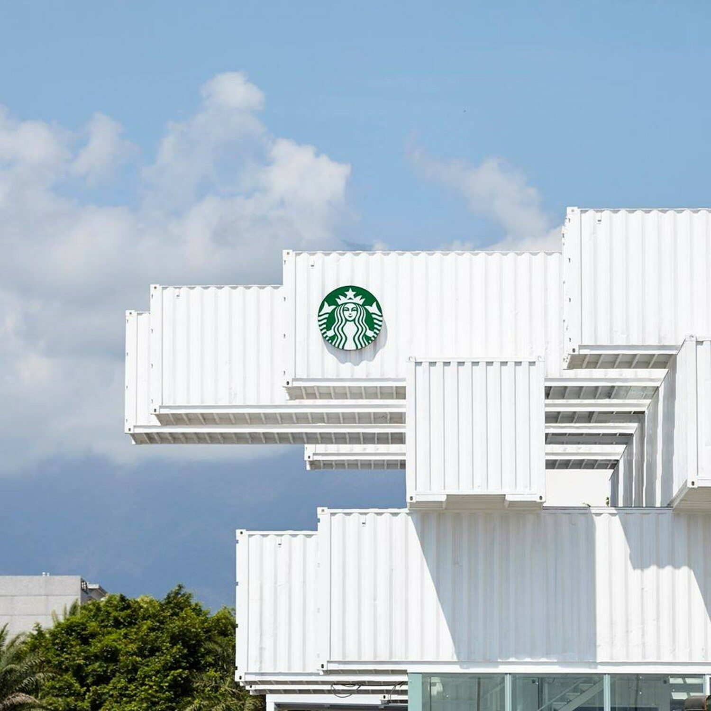 Starbucks w kontenerach