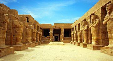 Starożytne ruiny świątyni Karnak w Luksorze. Egipt