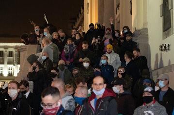 Strajk Kobiet. Narodowcy przed Kościołem św. Krzyża