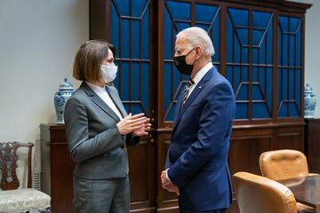 Swiatłana Cichanouska i Joe Biden