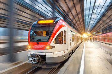 Światłowody znajdują innowacyjne zastosowanie także na kolei