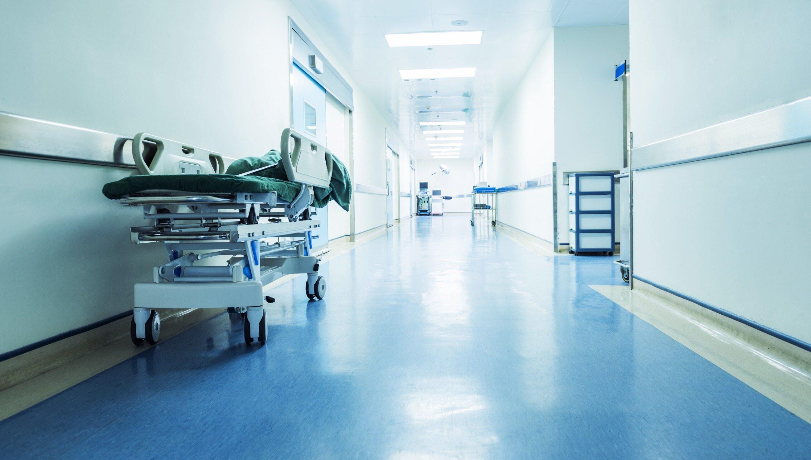 Sytuacja w szpitalach coraz trudniejsza, zdjęcie ilustracyjne