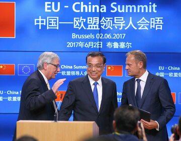 Szczyt UE-Chiny, na zdjęciu: Jean-Claude Juncker, Ji Keqiang i Donald Tusk