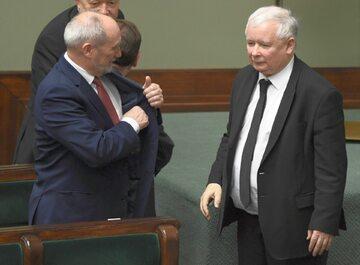 Szef MON Antoni Macierewicz i prezes PiS Jarosław Kaczyński