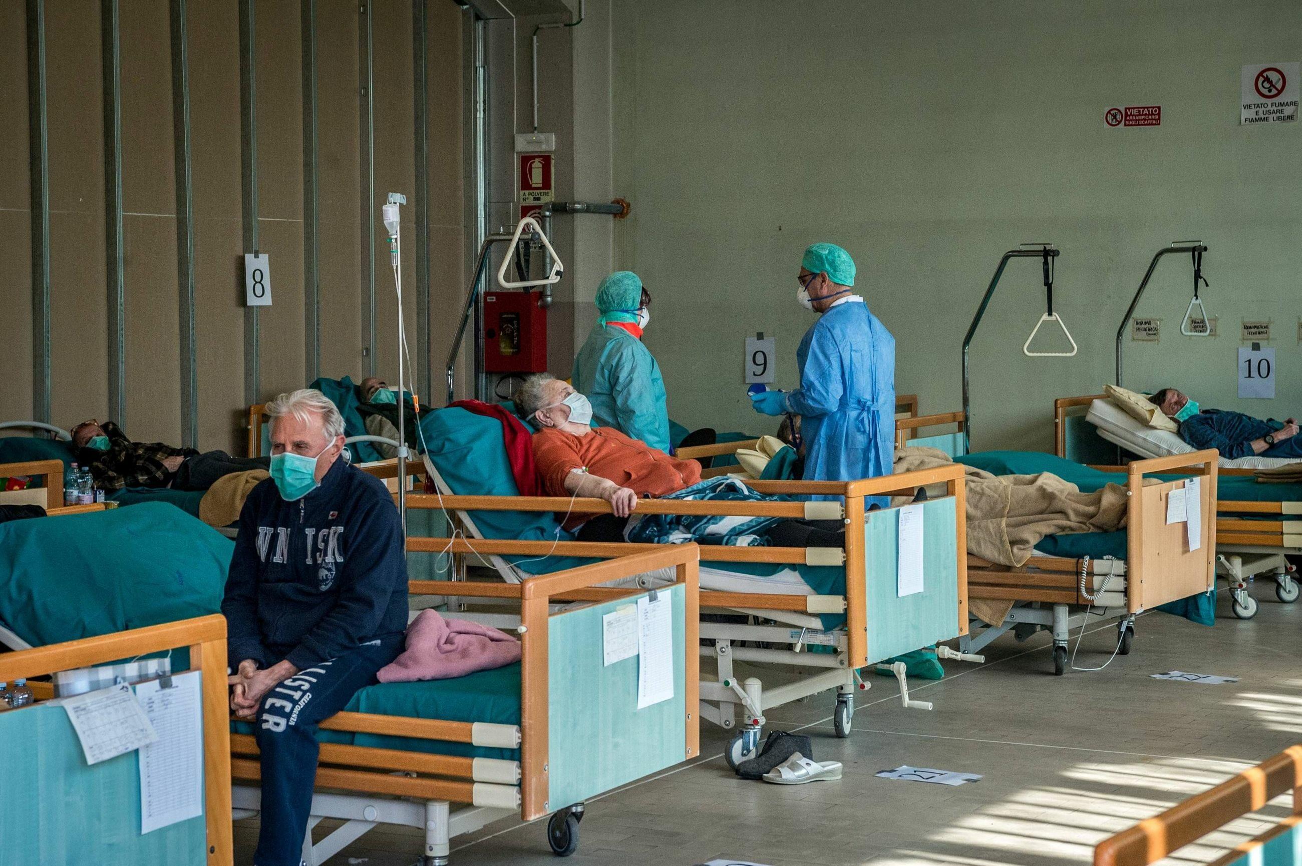 Szpital dla chorych na COVID-19 w mieście Brescia