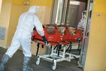 Szpital zakaźny, transport osoby zakażonej koronawirusem