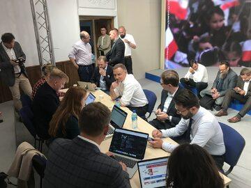 Sztab Andrzeja Dudy podczas wykopowego AMA