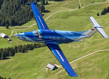 Szwajcarski samolot Pilatus PC-12 NGX