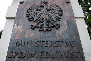 Tablica Ministerstwa Sprawiedliwości