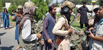 Talibowie patrolują ulice Kabulu
