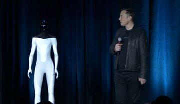 Tesla Bot i Elon Musk