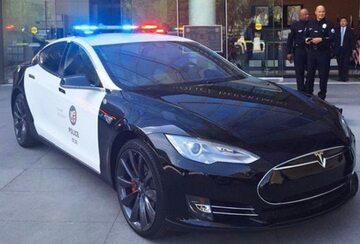 Tesla policji z Los Angeles