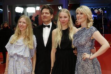Thomas Vinterberg z córkami Naną i Idą oraz żoną Helene Reinaard
